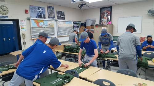 KHS Baseball helps prep for Titan 5K